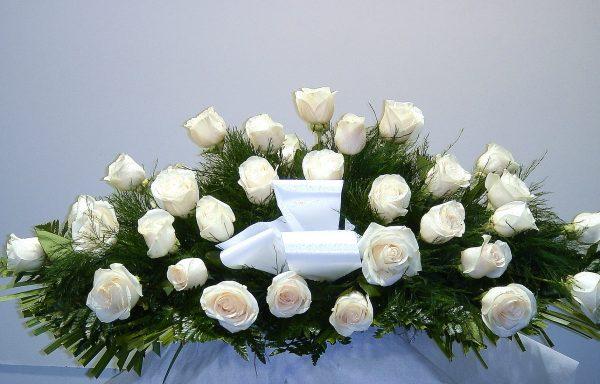 Centro 30 rosas blancas